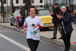IMG_4979 Siegerin 10km Sarah Hironaka Kopie